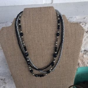 🆕PD Silver tone/black bead 3 strand necklace